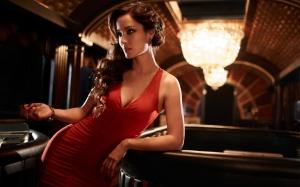 Severine dök upp och försvann i filmen. Går man på toaletten kan man missa 2012 års Bondbrud.